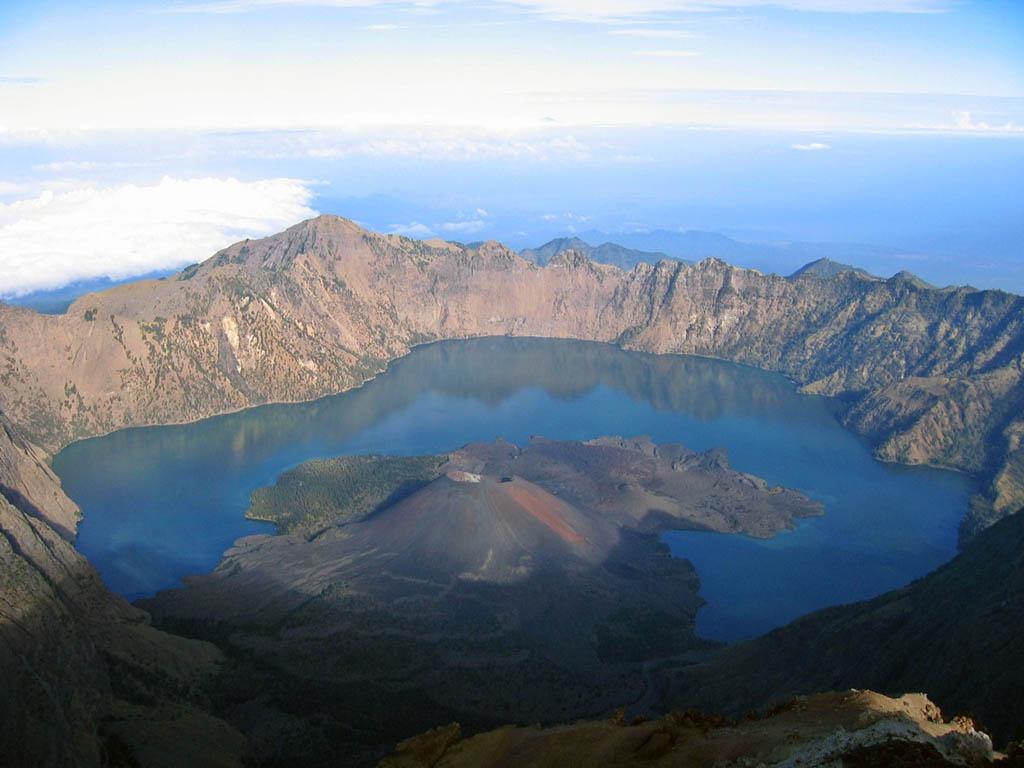 Climbing mount rinjani package lombok island indonesia about us - Gunung Rinjani Mountain Lombok